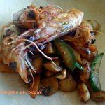 Gamberi,arachidi e verdure croccanti